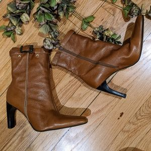 {Pazzo} Cognac Leather Booties